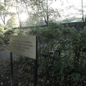 Diakonissalaitoksen diakonissoja on haudattu Malmin hautasmaalla kortteliin 2.